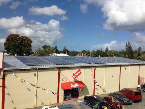Foto Paneles Solares Tortuguero-1-500web